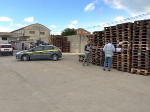 Sequestro di merce contraffatta al Porto (foto sito Agenparl, 26/10/15)