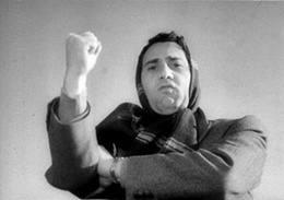 Alberto Sordi che fa il buzzurro (foto gestoricarburanti.it)