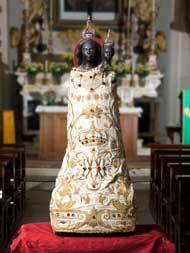 Cannara, chiesa della Buona Morte con il simulacro della Vergine Nera - foto sito comunecannara.mobi