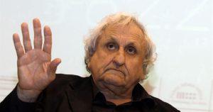 Lo scrittore israeliano Abraham Yehoshua (GALI TIBBON/AFP/Getty Images)