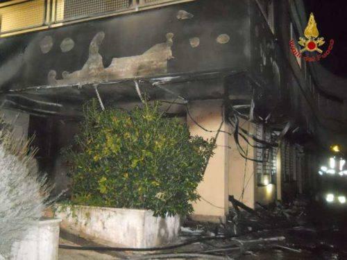 Incendio cassonetti a Recanati - Ansa