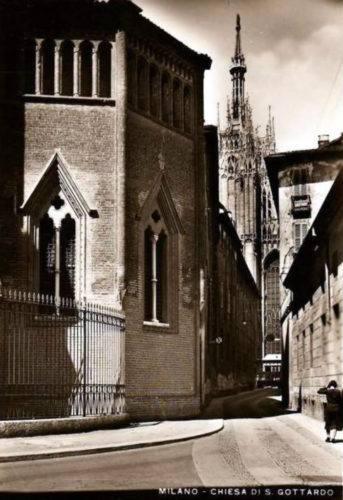 Milano, Via Palazzo reale negli anni '30 - foto skyscrapercity.com