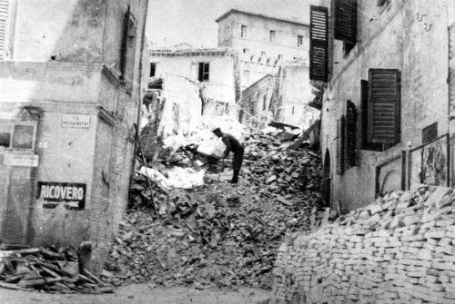 2FD-foto-bombe-via-Fanti Ancona